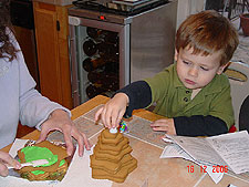 Building a gingerbread tree